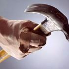 В Пензенской области бывший уголовник ударил собутыльника молотком по голове